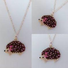 Miyuki Kirpi Kolye Thanks to for pattern. Miyuki Kirpi Kolye Thanks to for pattern. Beading Projects, Beading Tutorials, Beading Patterns, Loom Beading, Seed Bead Jewelry, Bead Jewellery, Seed Bead Earrings, Pony Bead Crafts, Beaded Necklace Patterns
