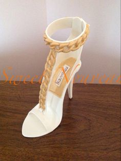 Make a High Heel Cake Topper in Craftsy's: High-Fashion Heels High Heel Cakes, Shoe Cakes, Purse Cakes, Diva Fashion, Fashion Heels, Ballet Shoes, Shoes Heels, Dance Shoes, Fashion Forward