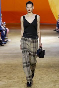 Céline Spring 2016 Ready-to-Wear Fashion Show - Maggie Maurer