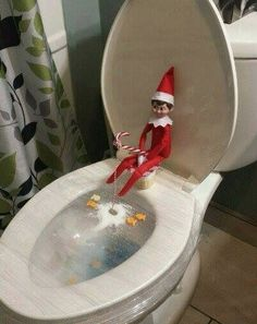 Fun Office Christmas Activities – Get Ready for Christmas - Ice fishing elf on the shelf! Awesome Elf On The Shelf Ideas, Elf Is Back Ideas, Elf On The Shelf Ideas For Toddlers, Fish Crackers, Xmas Elf, Christmas Ideas For Kids, Office Christmas, Christmas Christmas, Christmas Humor