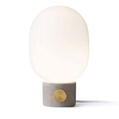 JWDA Concrete bordlampe, lysegrå, Menu, Jonas Wagell