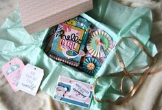 SNAIL MAIL IDEAS: FLIP TAG Snail Mail Pen Pals, Hell Girl, Mail Ideas, Happy Mail, Flipping, Flip Books, Lunch Box, Paper Crafts, Scrapbook