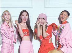 Check out Mamamoo @ Iomoio Kpop Girl Groups, Korean Girl Groups, Kpop Girls, K Pop, Mamamoo Kpop, Solar Mamamoo, Korean Artist, Kpop Outfits, K Idols