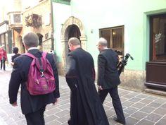 Überraschende Begegnung mit Bischof Manfred Scheuer in Innsbruck