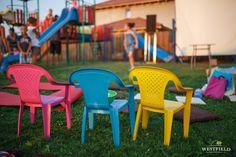 Pregătiți de film în aer liber. #westfield #arad #OutdoorMovie #minions #fun #kids #residential Outdoor Chairs, Outdoor Furniture, Outdoor Decor, Beautiful Stories, Home Decor, Homemade Home Decor, Garden Chairs, Decoration Home, Lawn Chairs