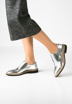 Chaussures Selected Femme SFMIRA - Derbies - silver metallic argent: SFr. 125.00 chez Zalando (au 29.12.15). Livraison et retours gratuits et service client gratuit au 0800 400 450.