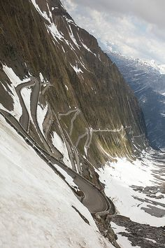 That is one crazy scary road!!!