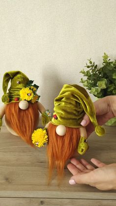 Diy Arts And Crafts, Diy Craft Projects, Diy Crafts, Spring Crafts, Holiday Crafts, Christmas Crafts, Scandinavian Gnomes, Dandelion Flower, Fru Fru