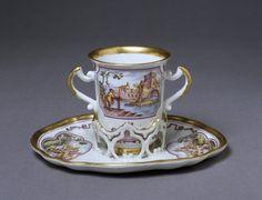 Trembleuse cup and saucer | Du Paquier porcelain factory