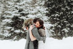 Katie & Eric's winter wedding ceremony at Le Rustique restaurant close to Mont Tremblant and Lac-Superieur in Quebec. Photos by Steve Gerrard Photography Winter Wedding Hair, Winter Wedding Flowers, Winter Wonderland Wedding, Summer Wedding, Wedding Planning Inspiration, Wedding Hair Inspiration, Wedding Planning Tips, Wedding Prep, Wedding Advice
