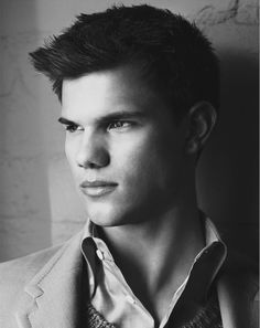 Taylor Lautner #photos, #bestofpinterest, #greatshots…