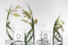 Niche glass vase for moder floral design Modern Floral Design, Glass Vase, Centerpieces, Creative, Home Decor, Homemade Home Decor, Centerpiece, Table Centerpieces, Center Pieces