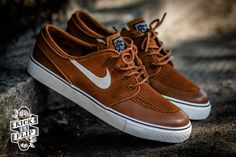 Nike SB Janoski Low Premium - must throw away 7 pairs of shoes to get these Zapatillas Casual, Tenis Casual, Casual Shoes, Addidas Sneakers, Shoes Sneakers, Nike Sb Janoski, Nike Skateboarding, Stefan Janoski, Mens Fashion Shoes