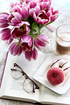 #break #donut #coffee #astetic #bookworm #girl