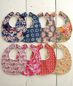 Liberty of London Baby Bibs! Liberty of London Baby Bibs! Sewing For Kids, Baby Sewing, Sewing Ideas, Sewing Projects, Free Sewing, Diy Projects, Couture Bb, Baby Bibs Patterns, Sewing Patterns
