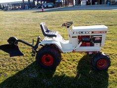 . Bolens Tractor, Tractor Loader, John Deere Tractors, Lawn Tractors, Garden Tractor Attachments, Lawn Mower Repair, Small Tractors, Landscaping Tools, Tractor Pulling