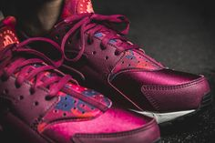 check out e7764 179c1 Girls, the Nike WMNS Air Huarache Run Print is available at our shop now!