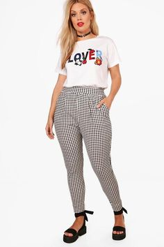 6b1a73a699a2 Plus Anya Gingham Print Trouser Gingham Pants, Plaid Pants Outfit, Trouser  Outfits, Dress. Boohoo NA