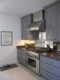 custom grey cabinets in grey & white kitchen.//Bywater Boo
