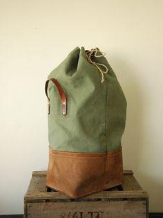Hoi! Ik heb een geweldige listing op Etsy gevonden: https://www.etsy.com/nl/listing/289632781/swiss-army-duffle-bag-1967-made-of