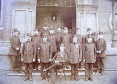 Police at Grimsby docks, 1898 Police Crime, Police Cars, Uk History, British History, Police Uniforms, Police Officer, Law And Order, Victorian, Costume