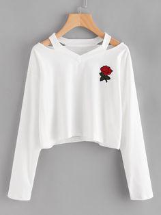 1ce7819c90b Camiseta con abertura en el cuello y parche de rosa Buzo Corto