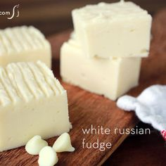 White Russian fudge made with Kahlua @keyingredient #cheese #easy #chocolate