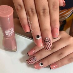39 - We continue to offer 2019 nail designs to your appreciation - 1 Races continue in nail designs and creativity. We don't know what design we like . Flower Nail Designs, Flower Nail Art, Cute Nail Designs, Aycrlic Nails, Cute Nails, Pretty Nails, Luxury Nails, Sparkle Nails, French Tip Nails
