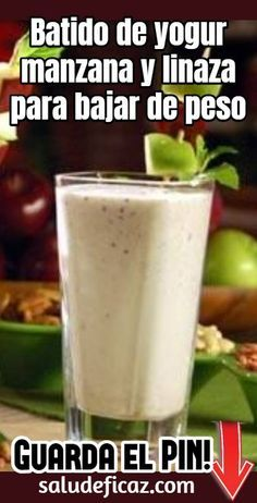 Prueba hacer este Batido de yogur manzana y linaza para bajar de peso. Te ayudar… Try making this apple and flaxseed yogurt smoothie to lose weight. It will help you eliminate those extra kilos and by the way, it will… Sigue leyendo → Yogurt Smoothies, Healthy Smoothies, Healthy Drinks, Healthy Recipes, Healthy Food, Nutrition Drinks, Smoothie Prep, Raspberry Smoothie, Smoothie Recipes