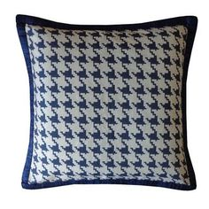 Jiti Houndstooth Throw Pillow Color: