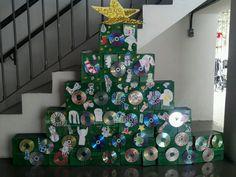 Árvore de Natal de sucata unidade Laranjeiras
