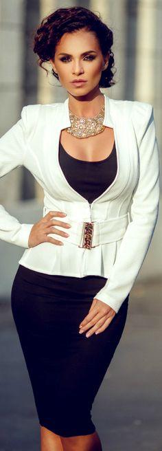 Who's Lady CEO ese conjunto sin el collar, no existe