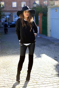 Your Guide To Autumn/Winter Fashion Trends According To Fashion Bloggers: Knee-Length Boots