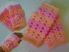 Free Crochet Pattern: How to crochet fingerless gloves wristers for beginners - YouTube