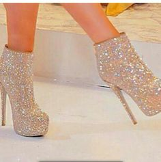 If I found these shoes, there'd be no stopping me from wearing them everyday. LOL.