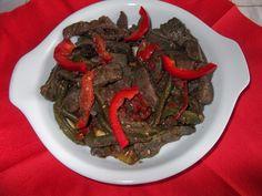 Ficat de vită cu fasole verde și ardei gras (rețetă indiană)