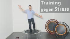 In diesem Trainingsvideo zeigt der Bewegungskonzeptionist Dr. Ben Baak ein Workout mit hilfreichen und einfachen Übungen zum Mitmachen. Die Bewegung auf dem bellicon® Minitrampolin eignen sich um Stress abzubauen und somit einer Erkrankung an Burnout vorzubeugen. Sie sind für Anfänger und Fortgeschrittene geeignet und können auch in Alltagskleidung ausgeübt werden.