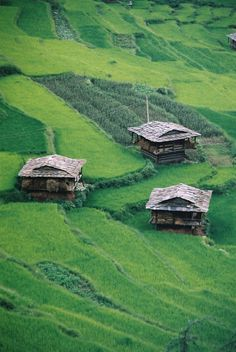 These small huts are known as Dak Ghar and have been here from a very long time. Places To Travel, Places To See, Places Around The World, Around The Worlds, Beautiful World, Beautiful Places, Mother India, Taj Mahal, Amazing India