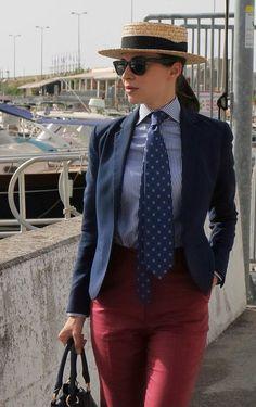 Women Ties, Suits For Women, Hats For Men, Ladies Hats, Women Wearing Ties, Modern Suits, Suit Fashion, Well Dressed, Amazing Women