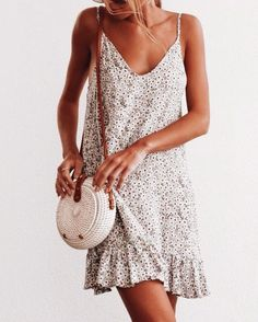 Spaghetti Straps Floral Printed Sleeveless Casual Dresses for summer casual dresses for summer sundresses casual dresses for summer women summer dresses 2019 beach casual dresses casual dresses for summer modest casual dresses for women Easy Style, Summer Outfits, Cute Outfits, Dress Summer, Spring Summer, Casual Outfits, Summer Sundresses, Emo Outfits, Summer Clothes