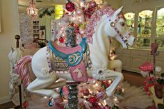 Penny's Vintage Home: Carousel Horse Christmas Tree