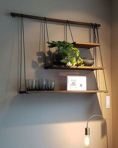 Smoked oak shelves Bolia Smoked oak shelves Bolia The decoration of our home is a lot like an exhibition space that reveals our tastes and design. Diy Hanging Shelves, Suspended Shelves, Floating Shelves, Display Shelves, Diy Shelving, Hanging Closet, Wine Display, Shelving Units, Wall Mounted Shelves