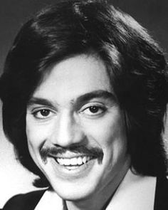 Freddie Prinze biography | birthday, trivia | American Comedian | Who2