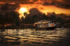 Kerala HouseBoat Honeymoon Place
