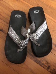 420e735af60b16 Womens 10 Pewter Silver Gray Thong Sandals Flip Flops Western Star  Rhinestones  fashion  clothing
