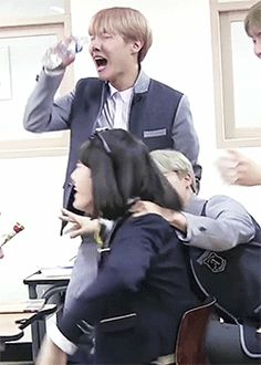 I thought Min YoonJi is pure and innocent? XD Look at that hand of Sneaky Chimchim >.> he knows what to do with an agrresive girl XD