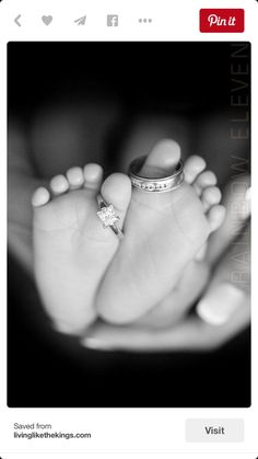 The Top 10 Most Adorable Newborn Photos of All Time - Nursery - Bebe Foto Newborn, Newborn Shoot, Newborn Photo Shoots, Photo Bb, Newborn Fotografie, Foto Baby, People Fall In Love, Newborn Pictures, Newborn Pics