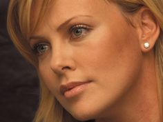 Charlize Theron Photo Gallery | Photos Beauty Wallpapers: Charlize Theron Gallery Colection
