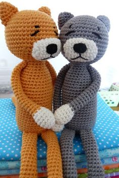 Knutsels en Frutsels Crochet Dolls, Doll Toys, Knitting Patterns, Teddy Bear, Kitty, Couture, Animals, Amigurumi, Felting