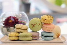 What to LOVE about macaroons: http://www.clubfashionista.com/2013/03/macaroons-and-small-desserts.html  #clubfashionista #foodie #macaroons #desserts